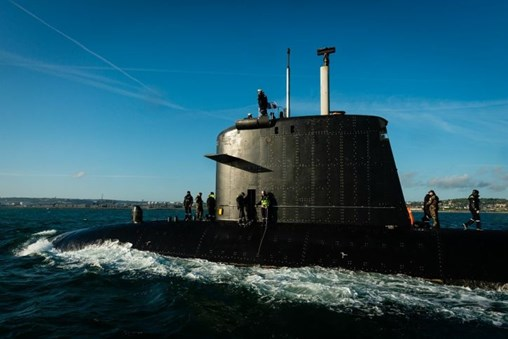 The French Navy's         <I>Saphir</I>         SSN will be withdrawn from service at the end of July. (French MoD)