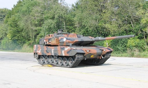 The EDA is preparing to launch a programme in 2020 for four member states to upgrade or procure Leopard 2A7 equivalents (photo of Greek Leopard 2HEL that will be modernised). (Hellenic Army)