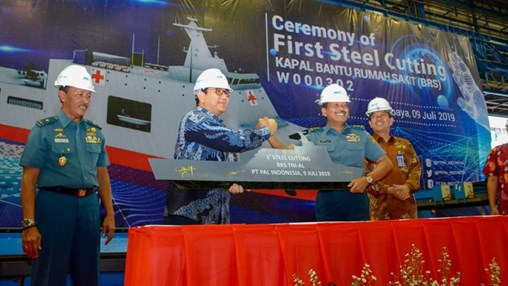 The steel-cutting ceremony held at PT PAL's premises in Surabaya on 9 July. (PT PAL)