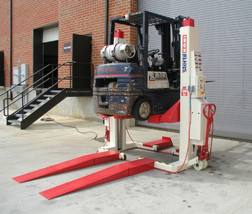 Military Forklift Maintenance Gets Big Safety Lift from Stertil-Koni Engineering