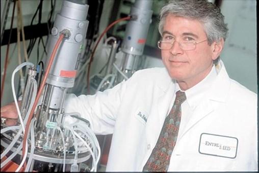 Local biotech veteran John Holaday dies at 74