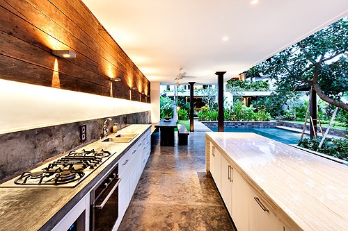 The Outdoor Kitchen Trend in New Homes | 2-10 Blog