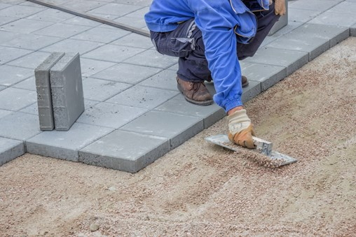 A DIY Guide to Concrete Pavers for Driveways