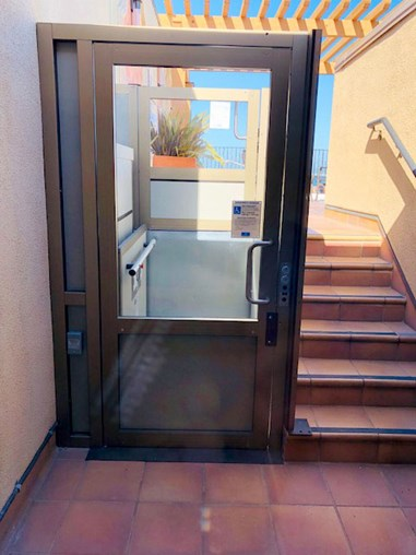 Garaventa Lift Genesis Shaftway Monterey Inn