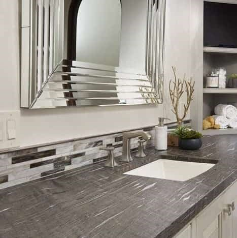Builders Show How To Spruce Up Your Guest Bathroom