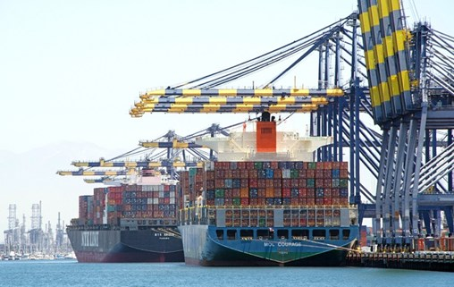 US West Coast Gets Creative to Handle Mega-Ship Pressure