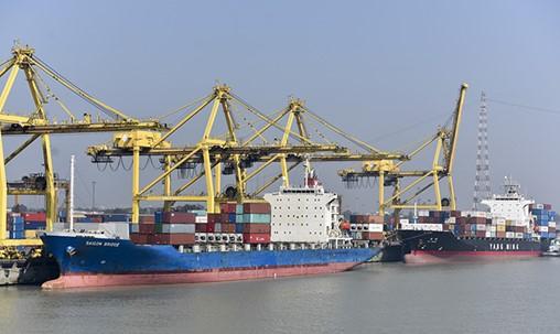 Bangladesh Bolsters Flagging Dhaka Port