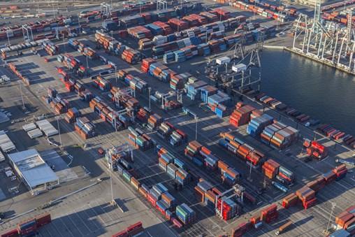 US Retailers Signal Import Growth Despite Tariffs