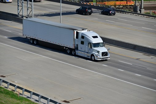 US Truck Employment Breaks Records but Shortage Remains