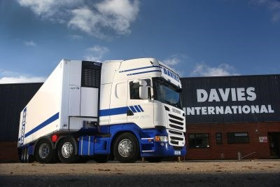 Davies International refrigerated Truck with Vector units