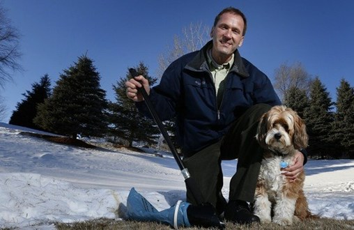 A device that won't leave dog owners holding the bag